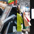 実店舗運営に導入したいデジタルサイネージとPOSデータ連携の活用方法