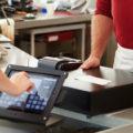 店舗運営に貢献するタブレットPOSレジシステムの効果と比較